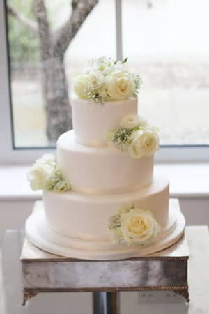 Wedding Cakes - Simple Iced Cake and Fresh Flowers