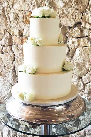 Wedding Cakes - Simple Smooth Buttercream Weddingcake