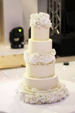 Wedding Cakes - Bridal White Butter Cream Cake