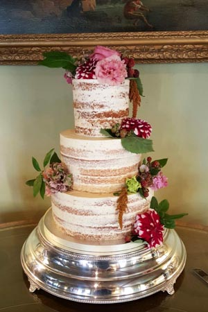 Wedding Cakes - Skimmed Naked Cake with flowers
